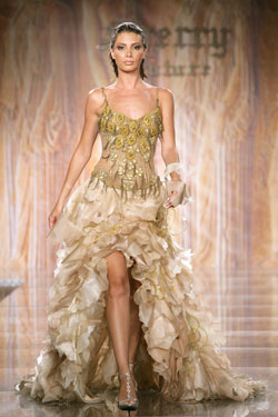Be Glamorous On Your Prom Night